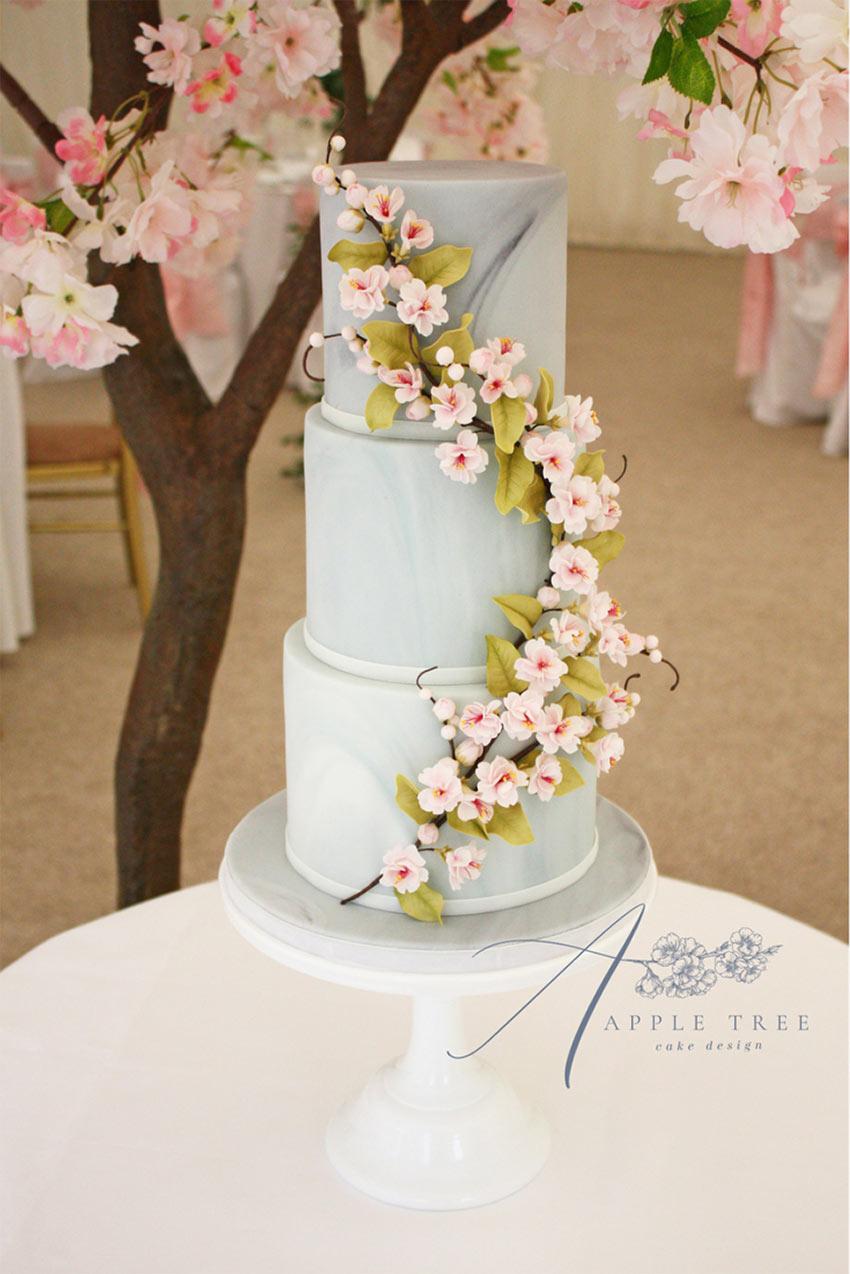 Showcasing – Apple Tree Cake Design