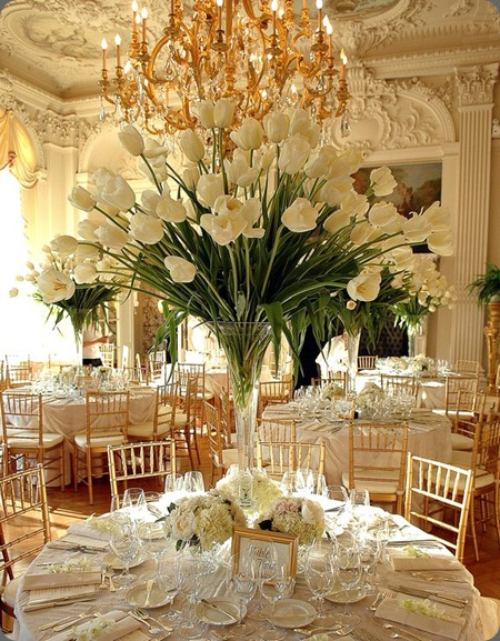 tall-white-tulip-centrepieces